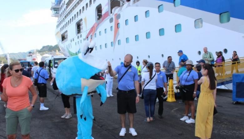 Arriban a Santa Marta 9.850 turistas en tres cruceros