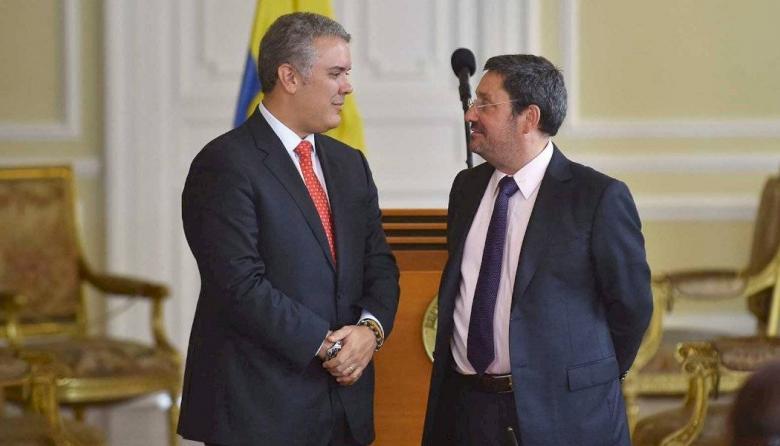 Duque llama a Francisco Santos a reunión urgente en Bogotá