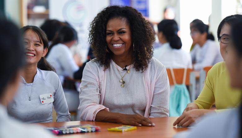 Michelle Obama visita Vietnam para promover educación de las adolescentes