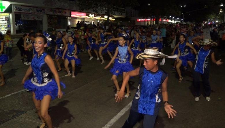 Tradición y orden, primaron en el desfile de Faroles y Tambores