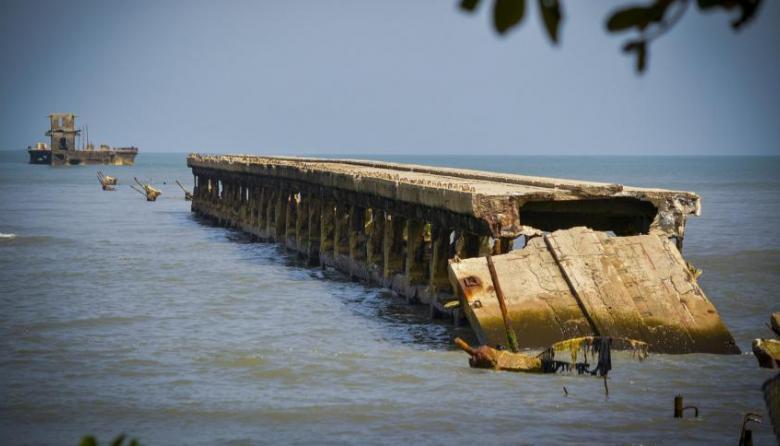 Parte de la estructura del muelle de Puerto Colombia.