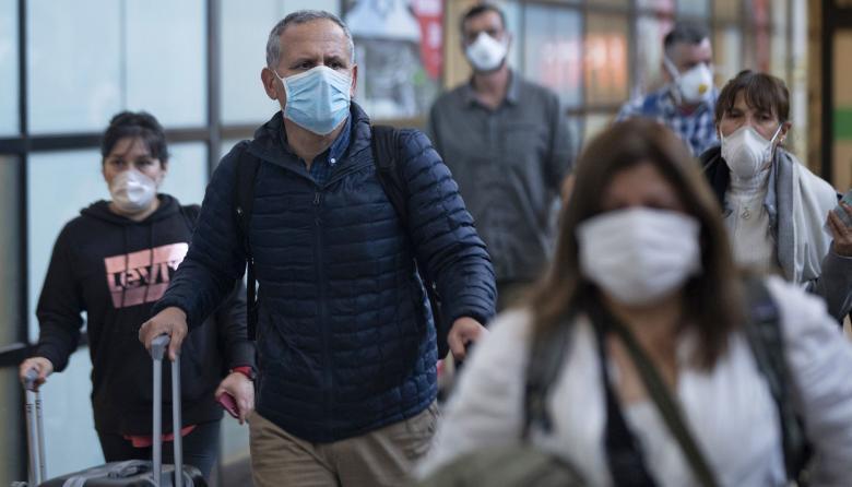 Chile cierra fronteras ante fuerte incremento de casos de coronavirus