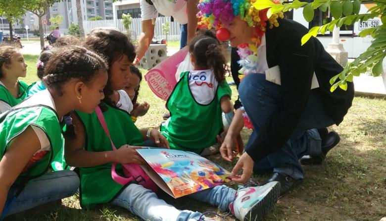 Margarita De la Ossa presta ayuda psicosocial a niños y a adultos.