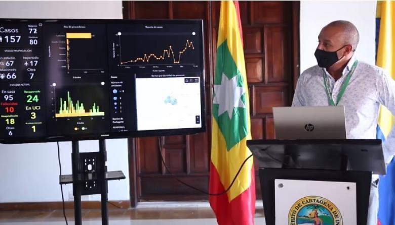 El secretario de Planeación de Cartagena, Guillermo Ávila, cuando presentaba la nueva página web sobre COVID-19.