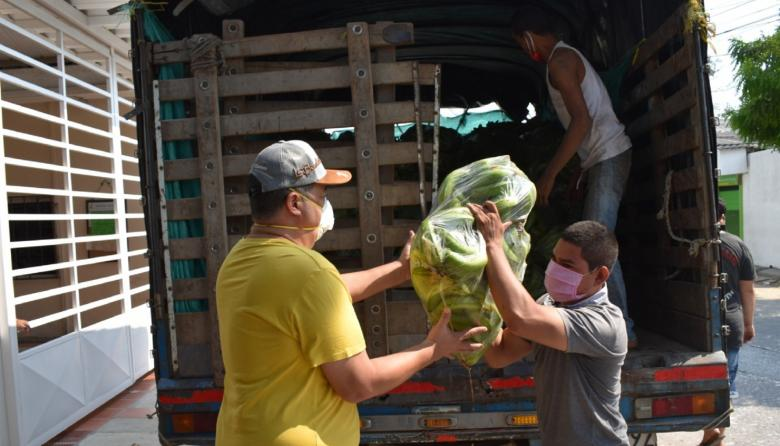 Alcalde de Baranoa dona su sueldo para entregar alimentos a hogares