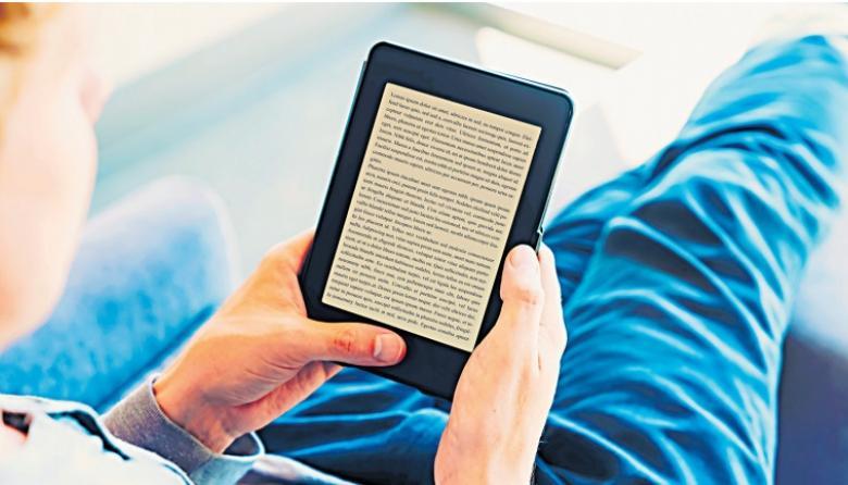 Los e-book (o libros electrónicos) pueden leerse en tabletas, Ipads o teléfonos inteligentes.