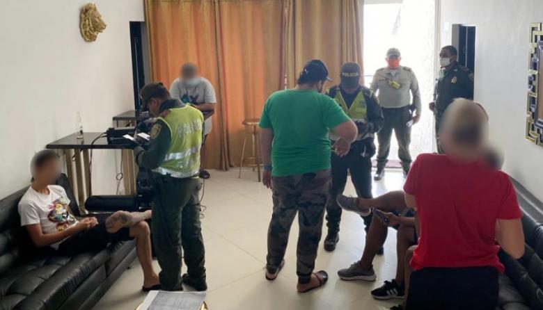 En video   Multan a jóvenes que hacían rumba en hotel en Cartagena