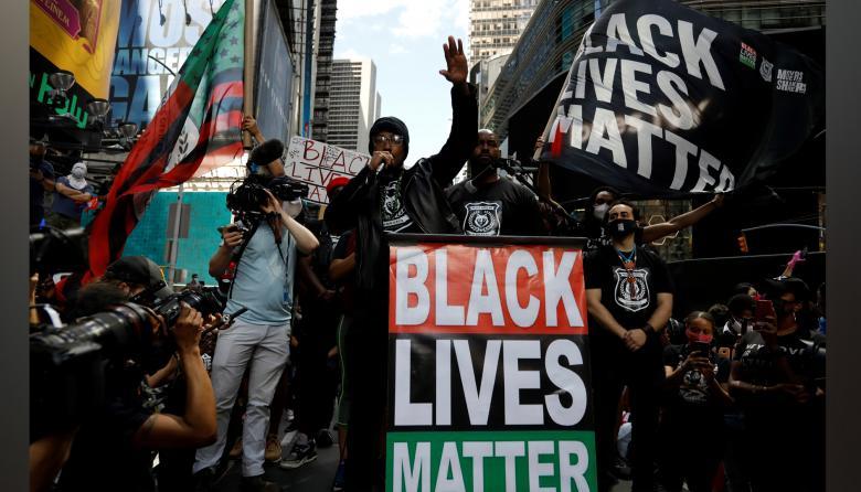 Miles de neoyorquinos vuelven a tomar las calles en otra jornada de protestas