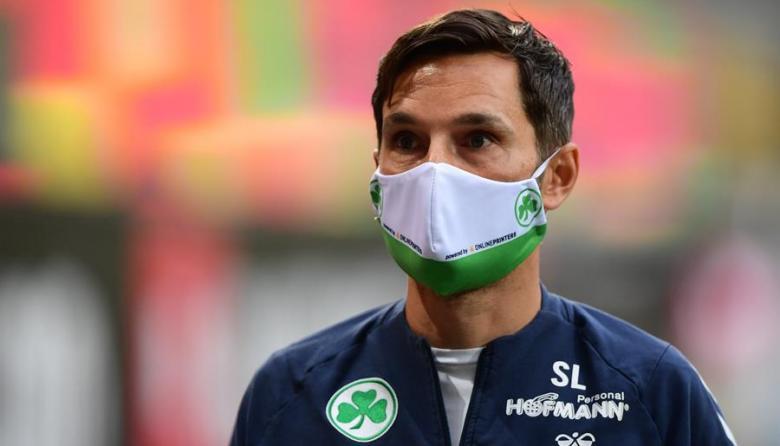 La Bundesliga elimina obligación de tapabocas en los banquillos y las gradas