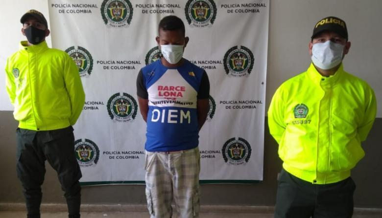 Capturan a hombre señalado de abusar de menor y luego huir del país