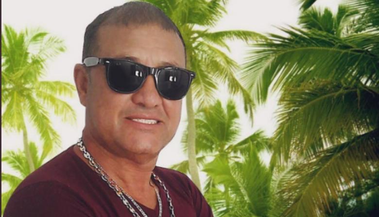 Joe Urquijo, cantante de salsa.