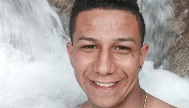 Muere tras chocar su moto contra una tractomula en Fonseca