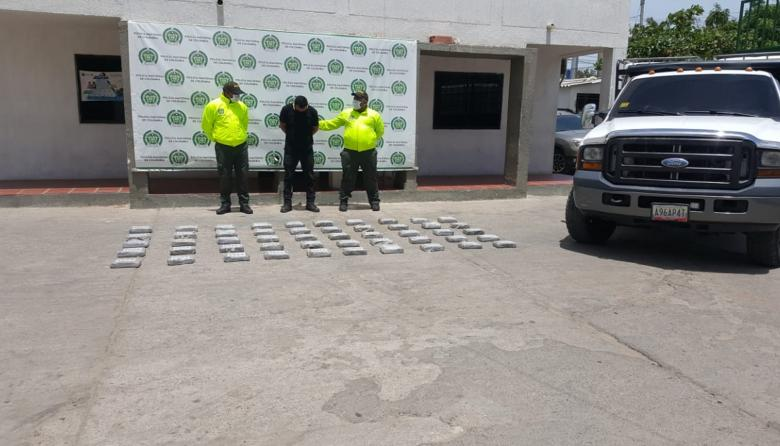Cayeron 50 kilos de clorhidrato de cocaína en jurisdicción de Maicao