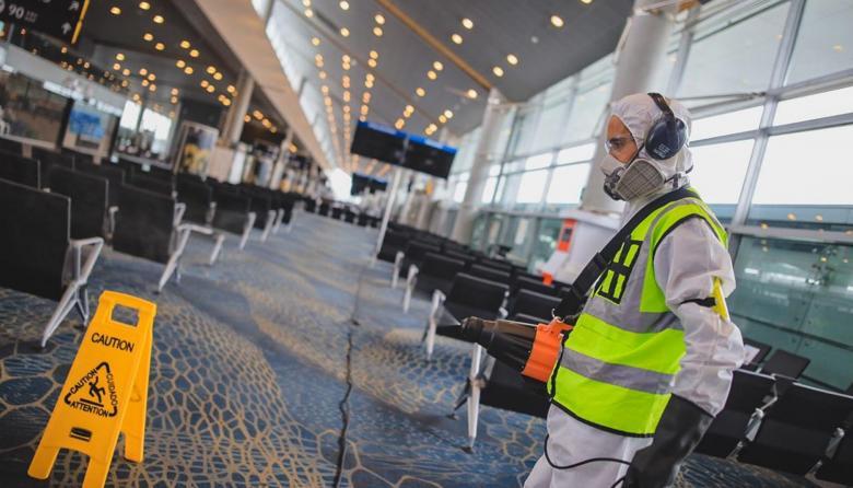 Alcaldes coordinarán reactivación de los vuelos domésticos