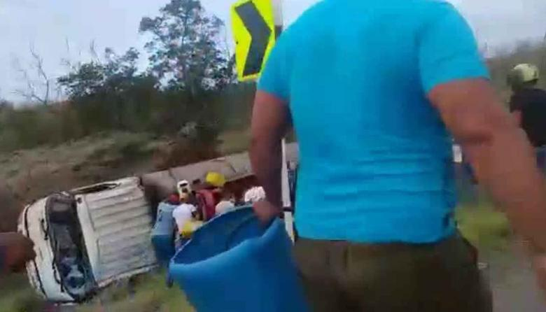Momento exacto en que explota el camión en la vía Barranquilla- Ciénaga