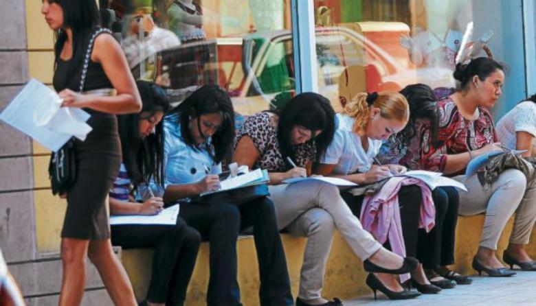 Según el DANE, la tasa de desempleo de la mujer en mayo fue de 25,4%