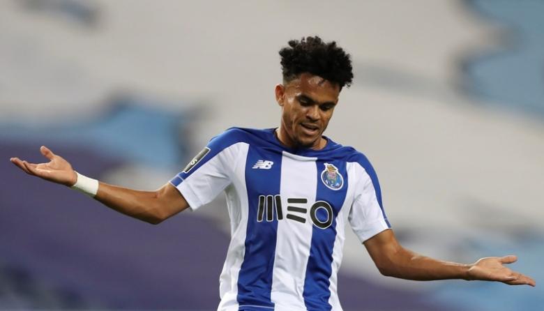 Luis Díaz se lamenta después de una opción de gol que le anularon por una mano, en el juego en el que Porto le ganó 2-0 al Sporting de Lisboa y se coronó campeón.