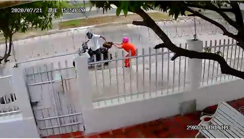En video | ¡Qué valiente! Mujer se enfrenta a un ladrón en Bellavista