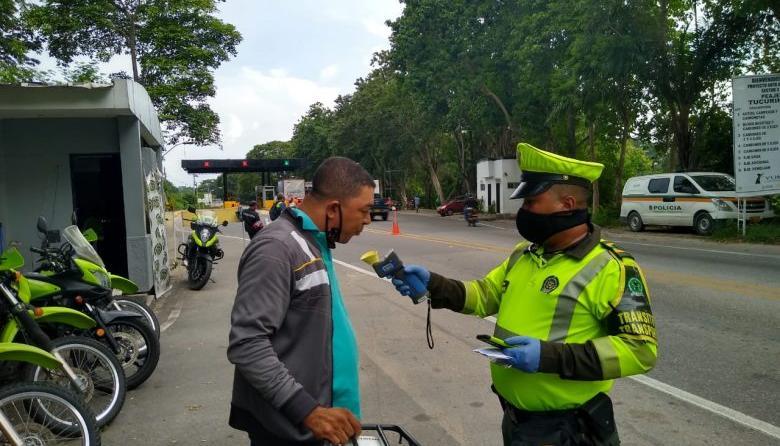 Con controles fronterizos buscan cercar pandemia en el Magdalena