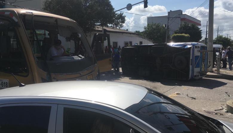 Diez heridos deja accidente de tránsito en el barrio San Isidro