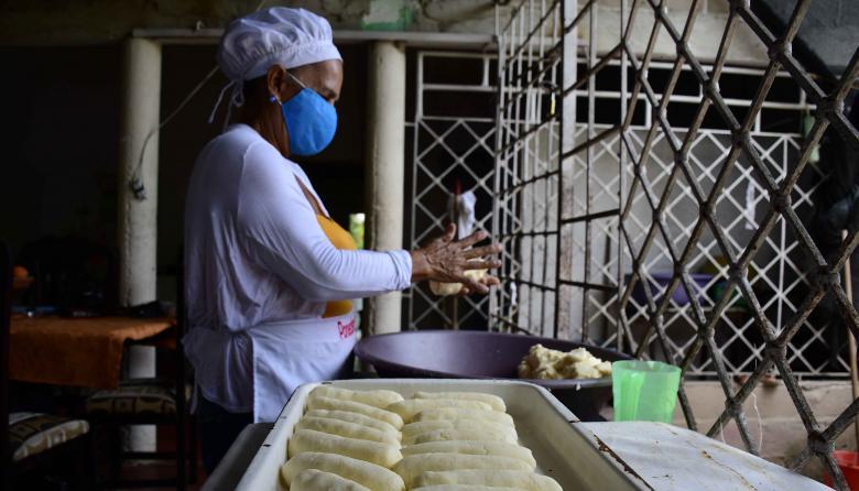 Con las bolleras de Ponedera, continúa la resistencia culinaria del Atlántico