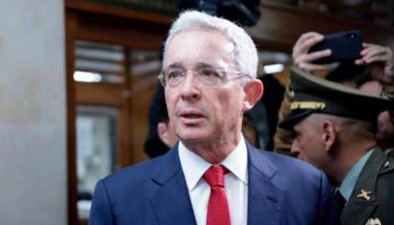 El camino y el poder de Uribe en la política