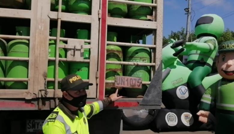 Policía busca prevenir siniestros con transporte de mercancía peligrosa