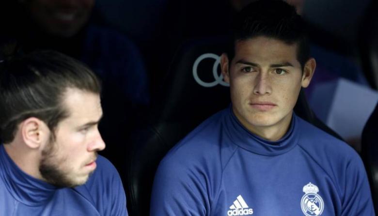 James y Bale, 'no se vistan que no van'