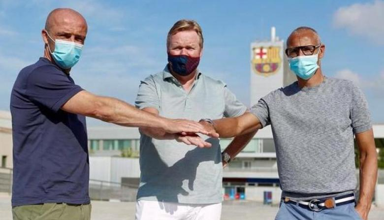 Henrik Larsson (derecha) junto al técnico Ronald Koeman y el otro asistente del equipo, Alfred Schreuder.