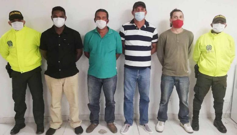 Los cuatro capturados mediante diligencias de allanamiento y registro.