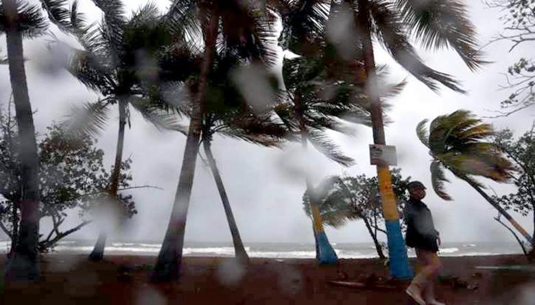 Una niña, primera víctima mortal conocida del huracán Laura en EE.UU.