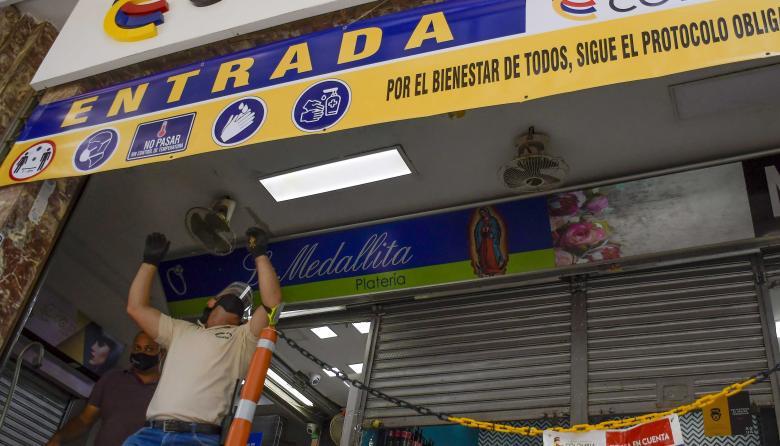 Varios locales de comercio han empezado a abrir sus puertas en esta etapa.