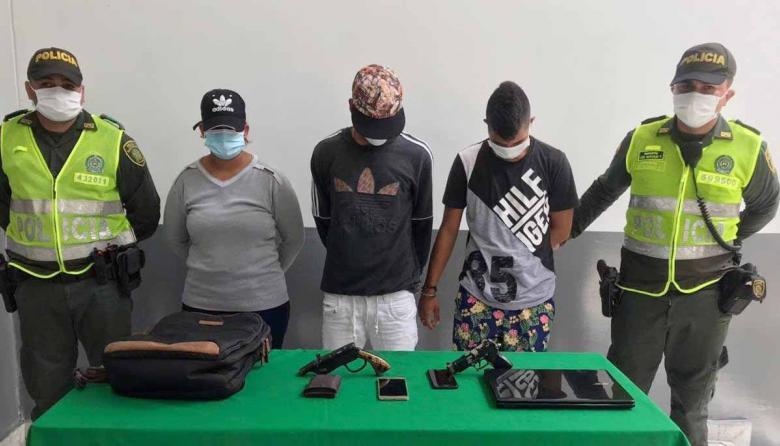 Los tres capturados por la Policía Metropolitana de Barranquilla.