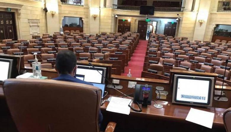 Aspecto del Capitolio durante un debate semipresencial en tiempos de la pandemia de la Covid-19.