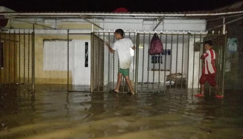 Inundaciones, deslizamientos y alertas por ola invernal en la Costa