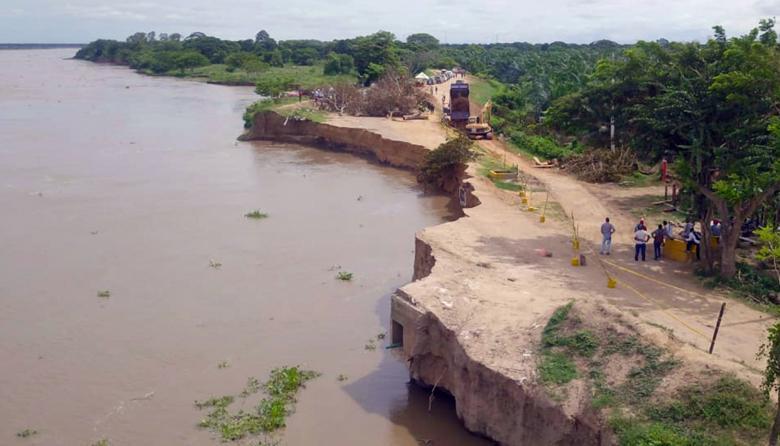 Así se encuentra la vía Salamina-El Pïñón a la altura del kilómetro 2,4, el punto más crítico de la erosión.