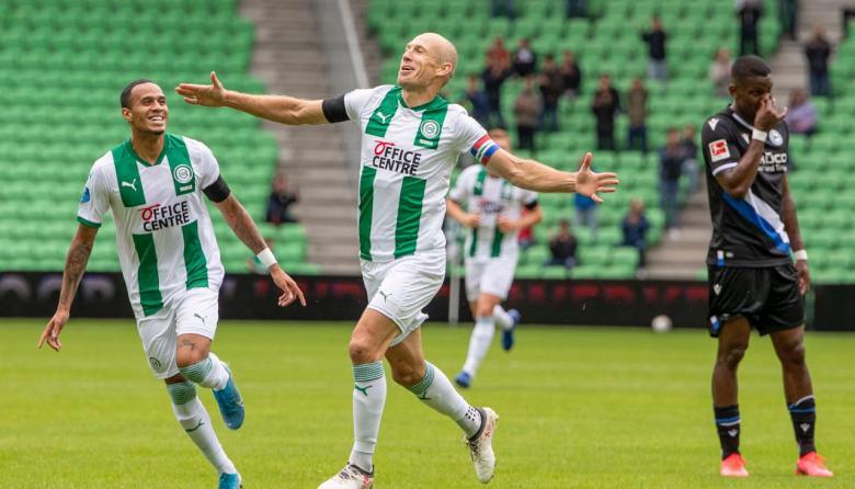 Arjen Robben, en la celebración de gol con el Groningen.