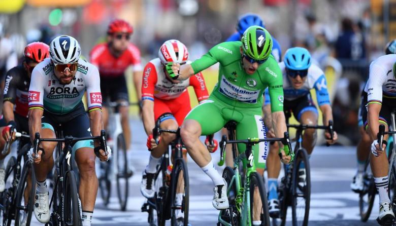 La victoria del irlandés Sam Bennett en la última etapa del Tour de Francia.