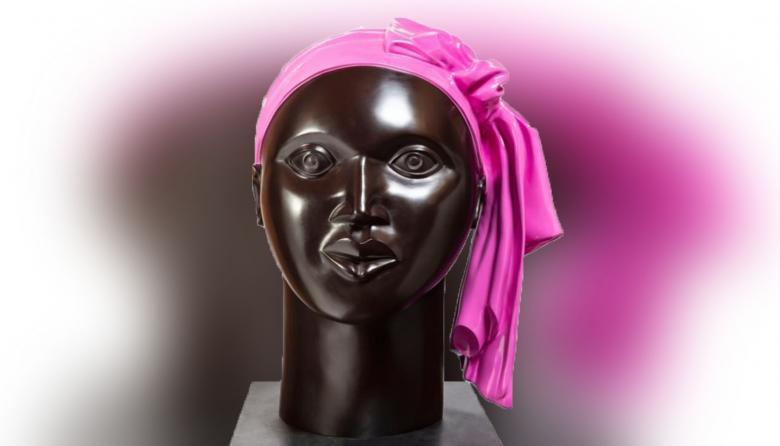 """Escultura en bronce de Ana Mercedes Hoyos que """"representa la alegría""""."""
