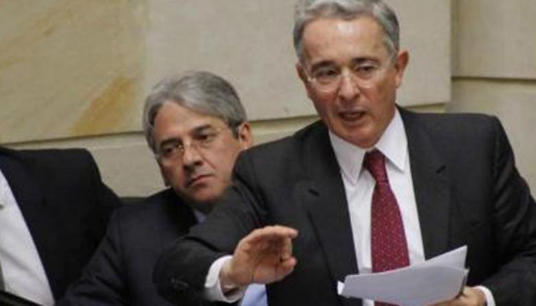 Uribe responsabiliza a Santos del asesinato de Juliana