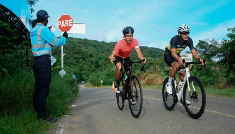 Refuerzan controles en vías del Atlántico para seguridad de los ciclistas