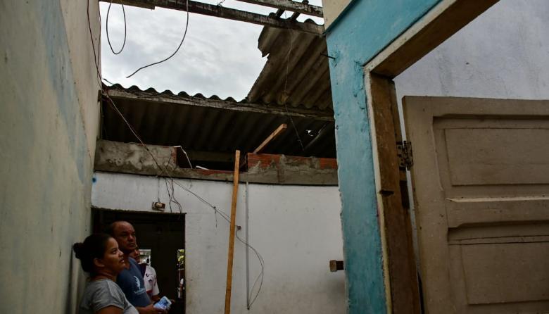 En video   Vendaval destecha más de 50 casas en Soledad