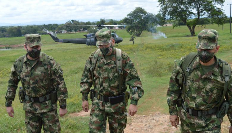 Por tierra y aire se mantienen operaciones militares en el sur de Córdoba