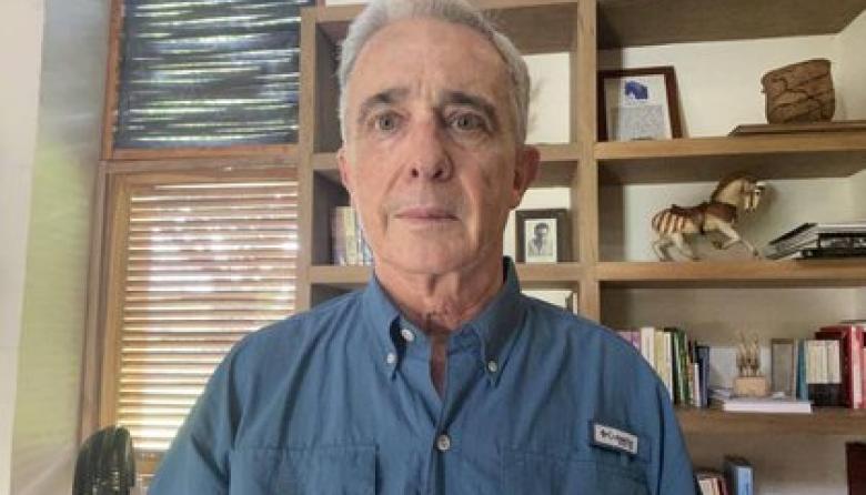 Jueza ordena libertad inmediata del expresidente Álvaro Uribe