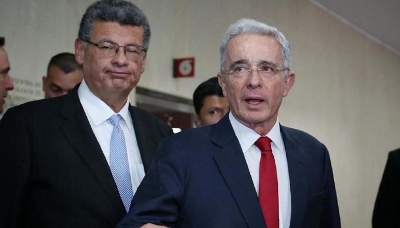 Álvaro Uribe responderá en libertad al proceso en su contra