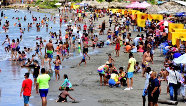 Gobernadora urge reunión de Comité de playas por aglomeraciones