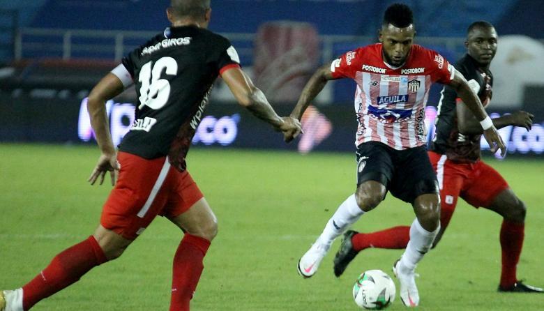 Miguel Borja desperdició dos claras oportunidades de gol.