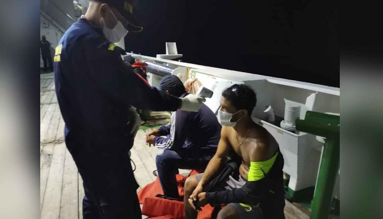 Armada rescata cuatro náufragos extranjeros en costas de La Guajira
