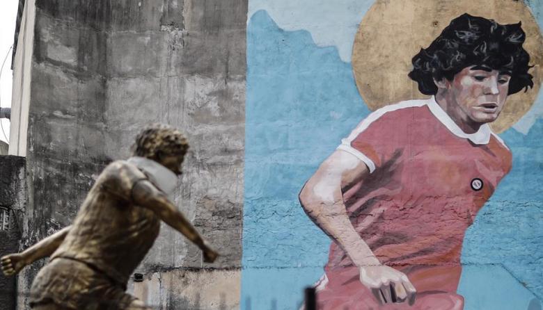 """Maradona, """"el más humano de los dioses"""""""