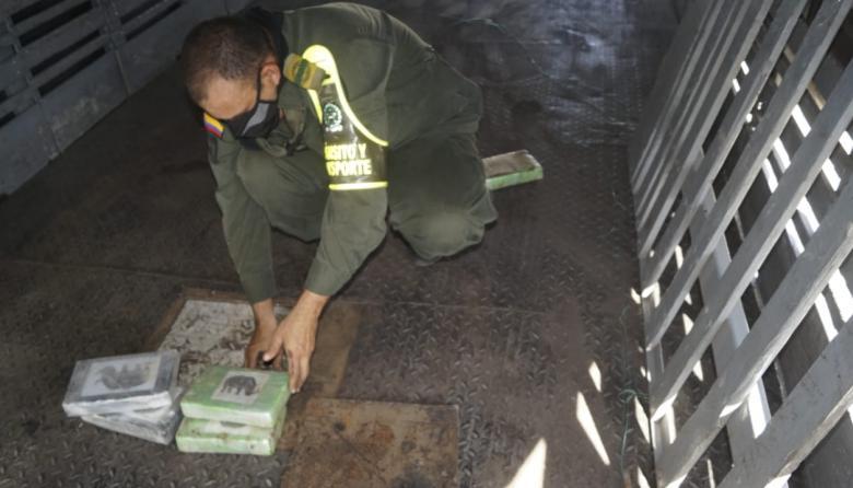 Golpe al narcotráfico en carretera de La Guajira